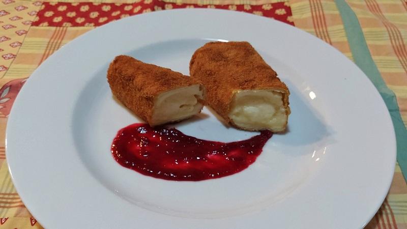 Camembert croccante con coulis di lamponi piccante